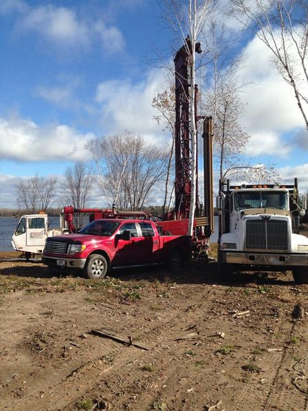 drill truck, pickup on site